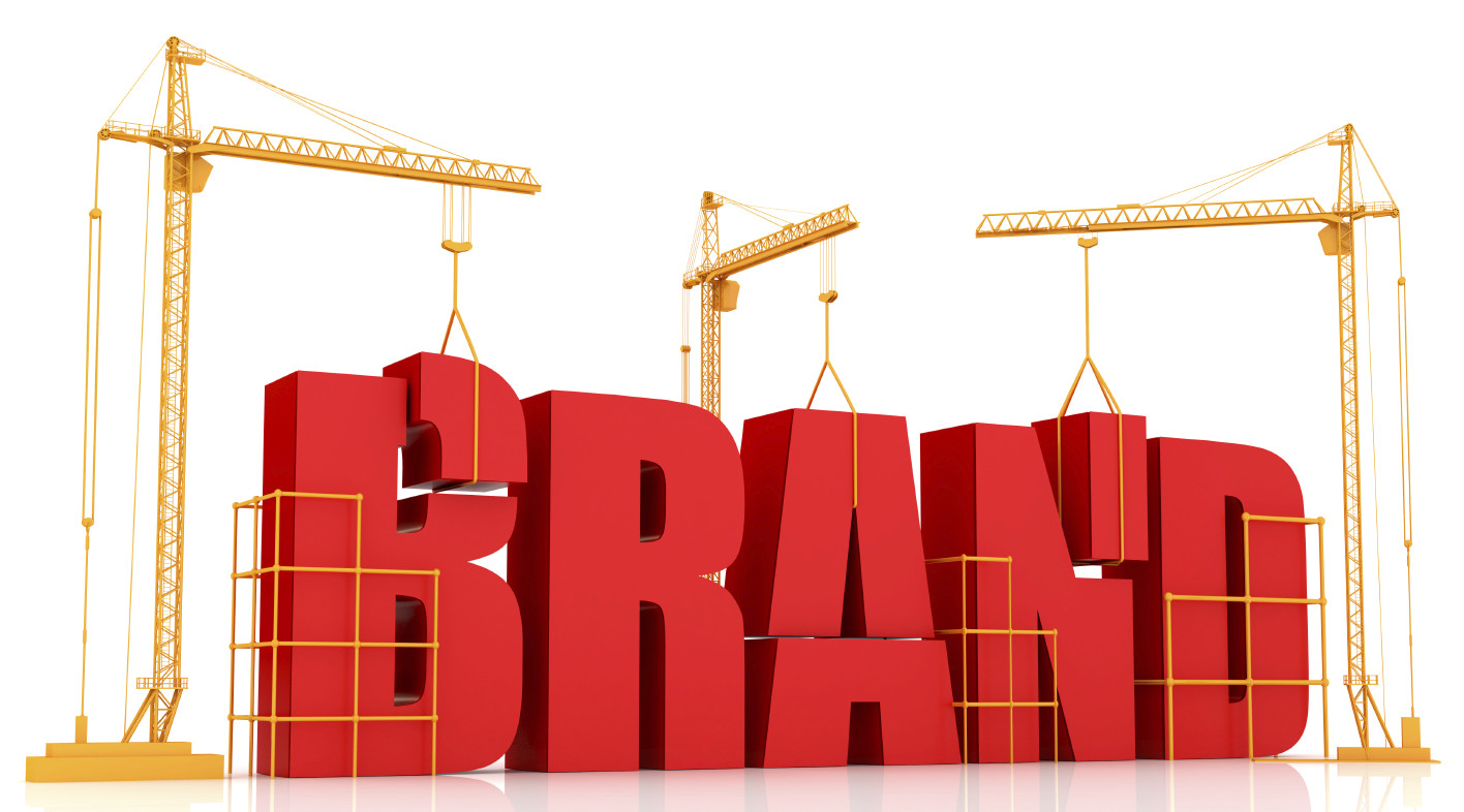 Hàng giả, hàng nhái còn làm giảm uy tín của thương hiệu và hoạt động kinh doanh của doanh nghiệp chân chính cũng bị ảnh hưởng nghiêm trọng.