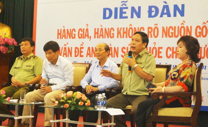 Ông Nguyễn Thành Danh, Phó trưởng ban 389 Bình Dương phát biểu tại Diễn đàn